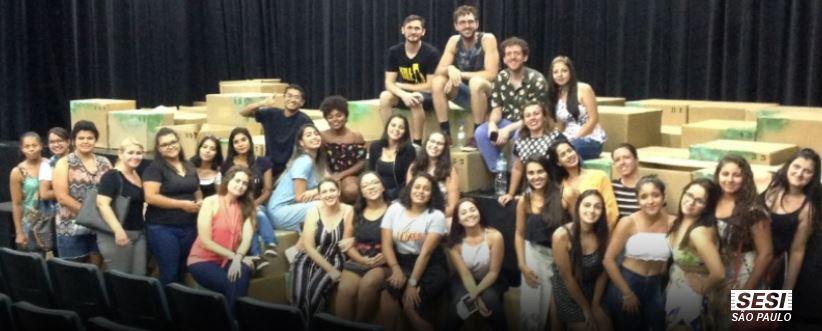Teatro do SESI em Mogi recebe alunos de pedagogia