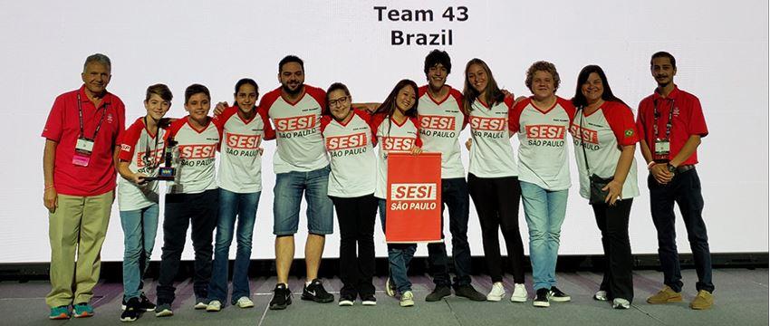 Equipes do SESI-SP voltam de Houston com quatro prêmios na bagagem