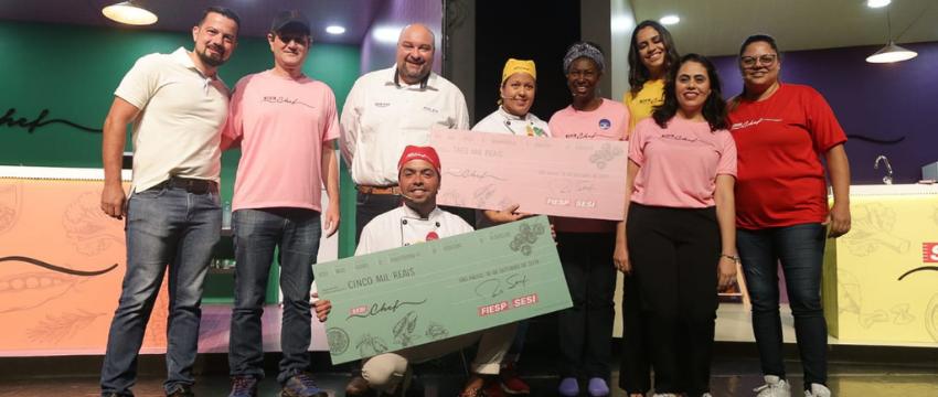 Com temática da memória afetiva e 'vida na roça', final do SESI Chef emociona e consagra cozinheiro da capital como vencedor