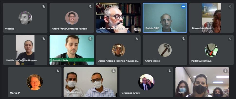 Alunos do Sesi participam de reunião do Comtur