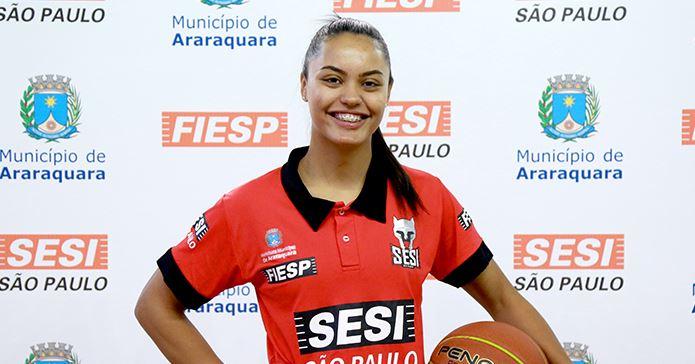 Carlinha Lucchini é a nova armadora do Sesi Araraquara Basquete