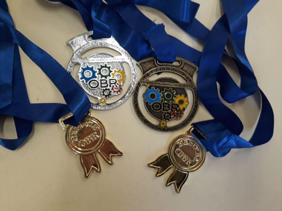 Escola SESI de Agudos recebe medalhas em Olimpíada de Robótica