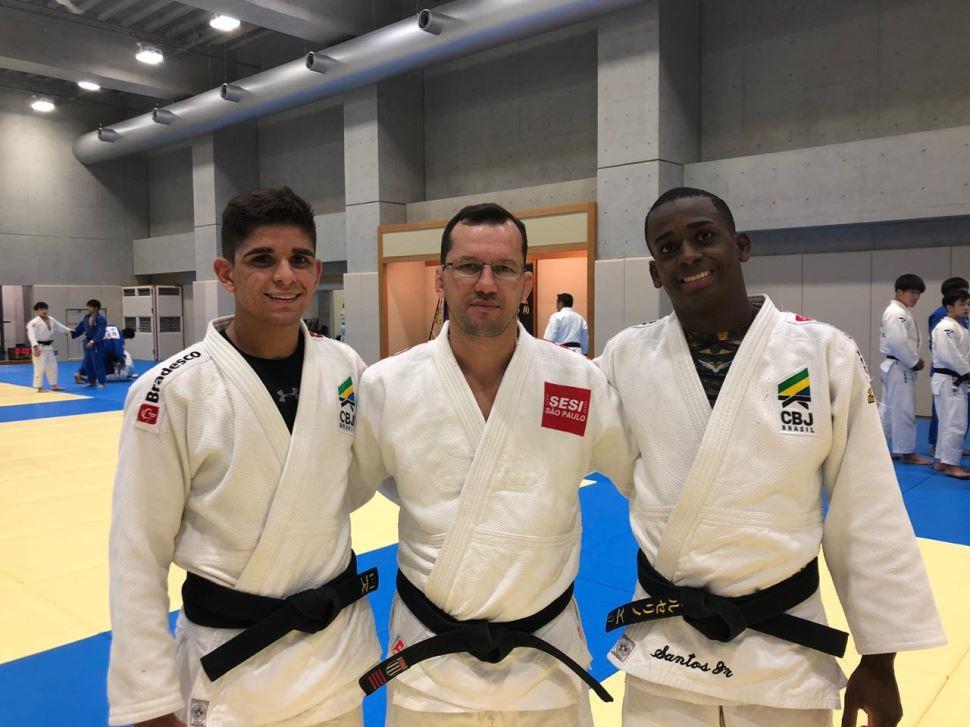 Judocas do SESI-SP participam de treinos no Japão