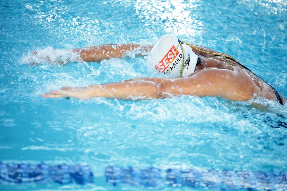 Agende online seu horário nas piscinas do Sesi Bauru