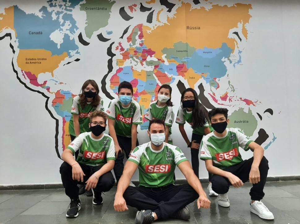 Sesi 358 X-Force e Sesi Biotech garantem vaga à fase nacional de Torneio de Robótica