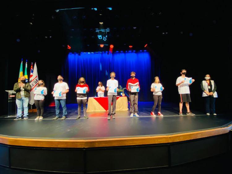 evento 8 de julho homenagem alunos sesi birigui