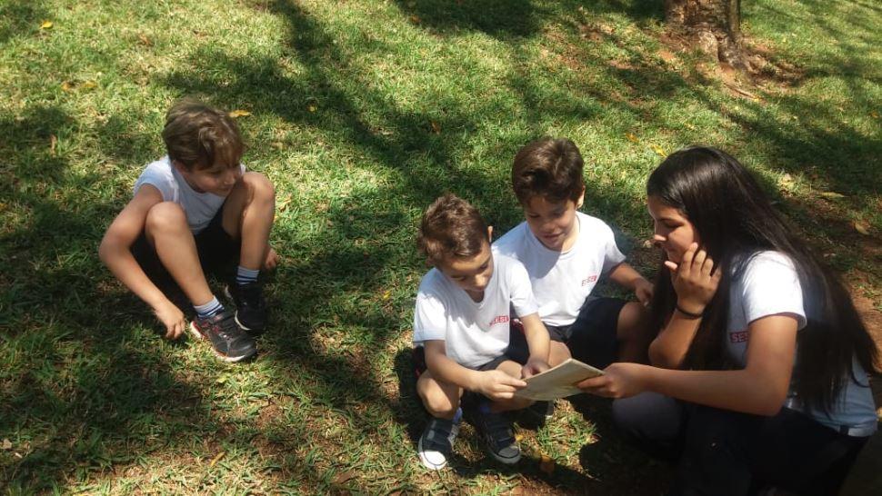 """Alunos dos 8ºs anos do SESI Botucatu realizam projeto """"Padrinhos literários"""""""