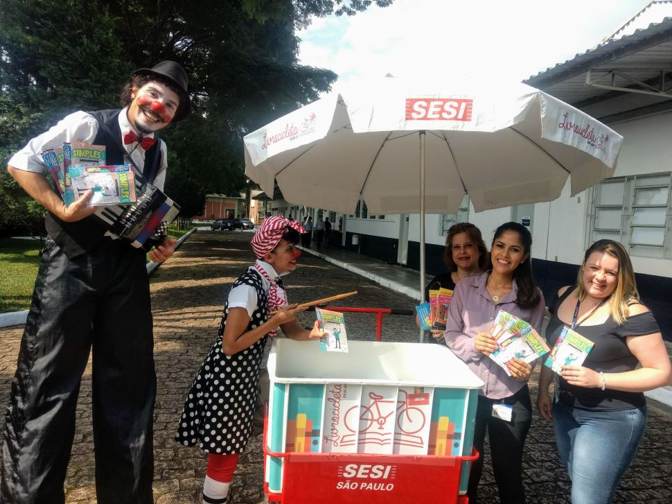 No Dia Mundial do Livro, o SESI Diadema promove mediação cultural na empresa Prensas Schuler
