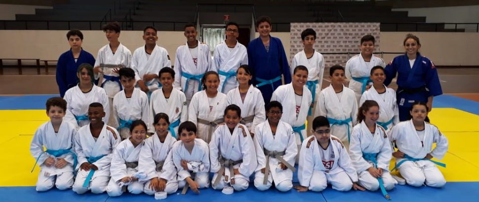 SESI Osasco realiza 1° Bonenkai e Cerimônia de Entrega das Faixas de Judô para os alunos do Programa Atleta do Futuro