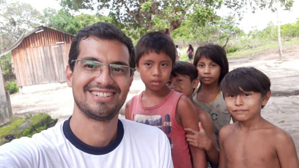 Ex-aluno da Escola SESI de Presidente Prudente trabalha como médico em aldeia indígena no Amapá