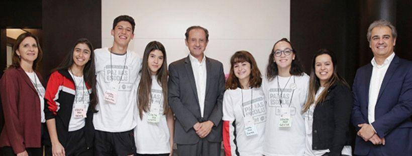 Alunos do SESI Amoreiras participam da Jornada pela Paz nas escolas