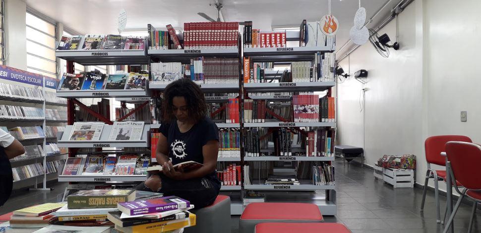Biblioteca de portas abertas