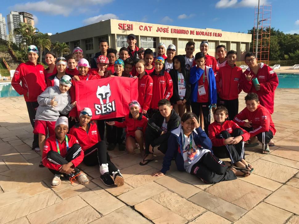 Equipe SESI Santa Bárbara participa da Liga SESI de Natação em Votorantim