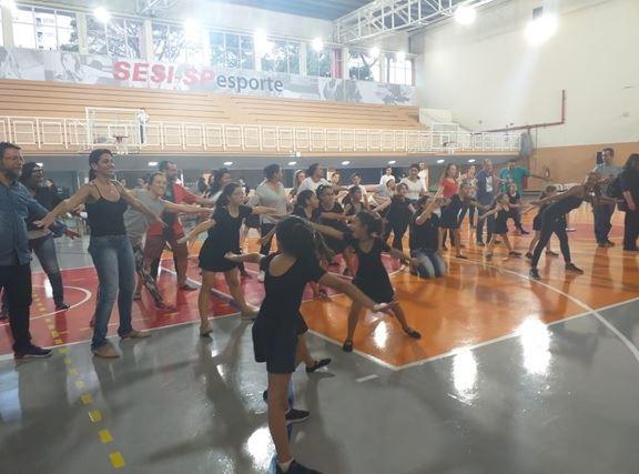 SESI realiza 2º Encontro de Dança para alunos e familiares