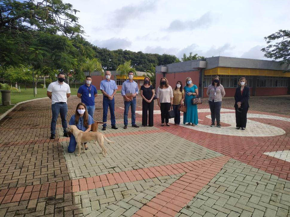 Município de Dourado assina convênio com o Sistema Sesi de Ensino e município de Tambaú manifesta o interesse pela metodologia
