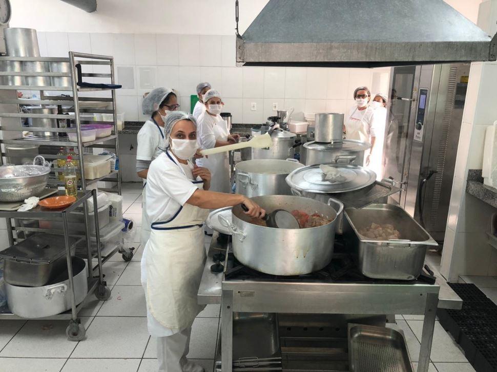 Unidades do SESI no Grande ABC estendem para o mês de junho a produção de refeições gratuitas para comunidades carentes