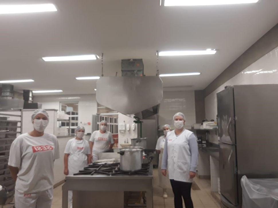 SESI Votorantim e região distribui cerca de 18 mil refeições diárias para comunidades carentes