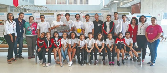 Escola SESI Pindamonhangaba conquista prêmios em Congresso Científico