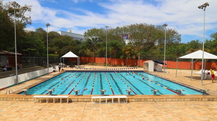 piscina semiolimpica