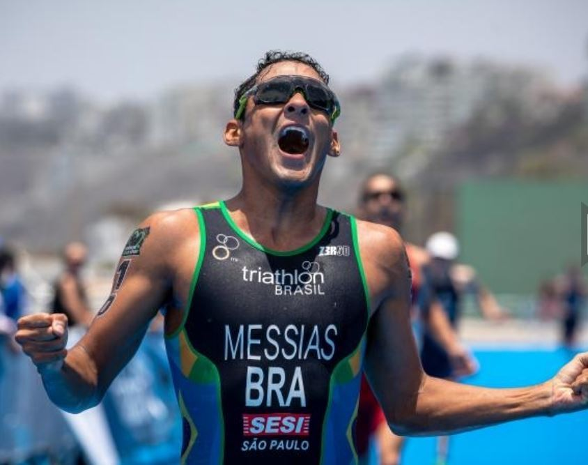 Manoel Messias conquista título inédito da Copa do Mundo de Triathlon