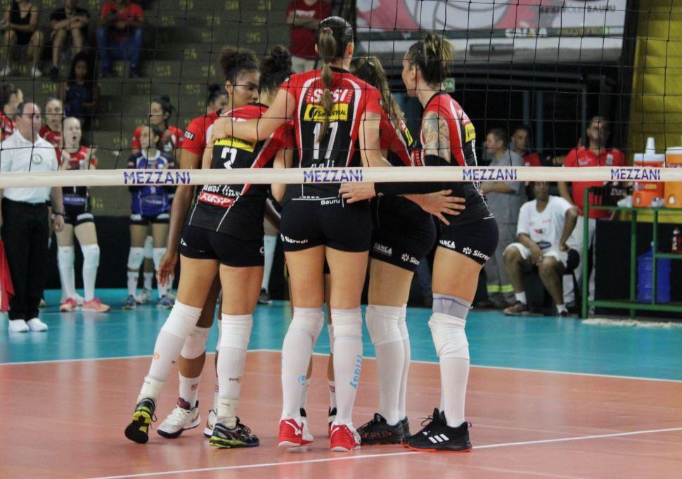 Sesi Vôlei Bauru vence Curitiba no segundo jogo da Superliga