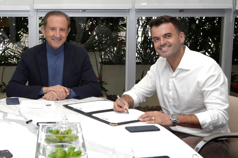 Prefeitura de Cruzeiro assina convênios com o Sesi