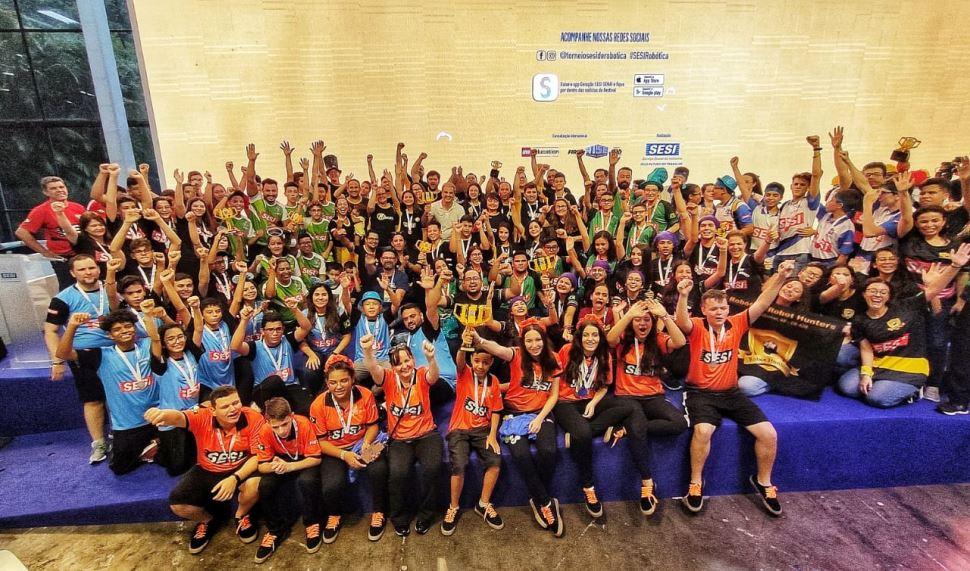 Alunos do Sesi-SP conquistam dez prêmios em torneio nacional de robótica