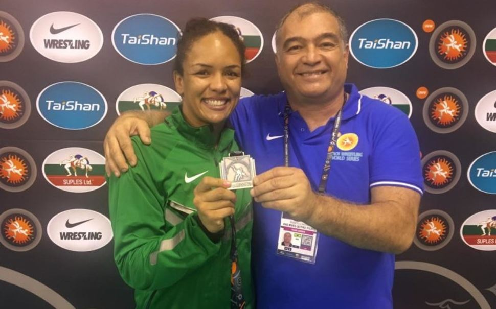 Aline Silva encerra a preparação para o Pan-americano de Lima com medalha de prata em torneio na Turquia