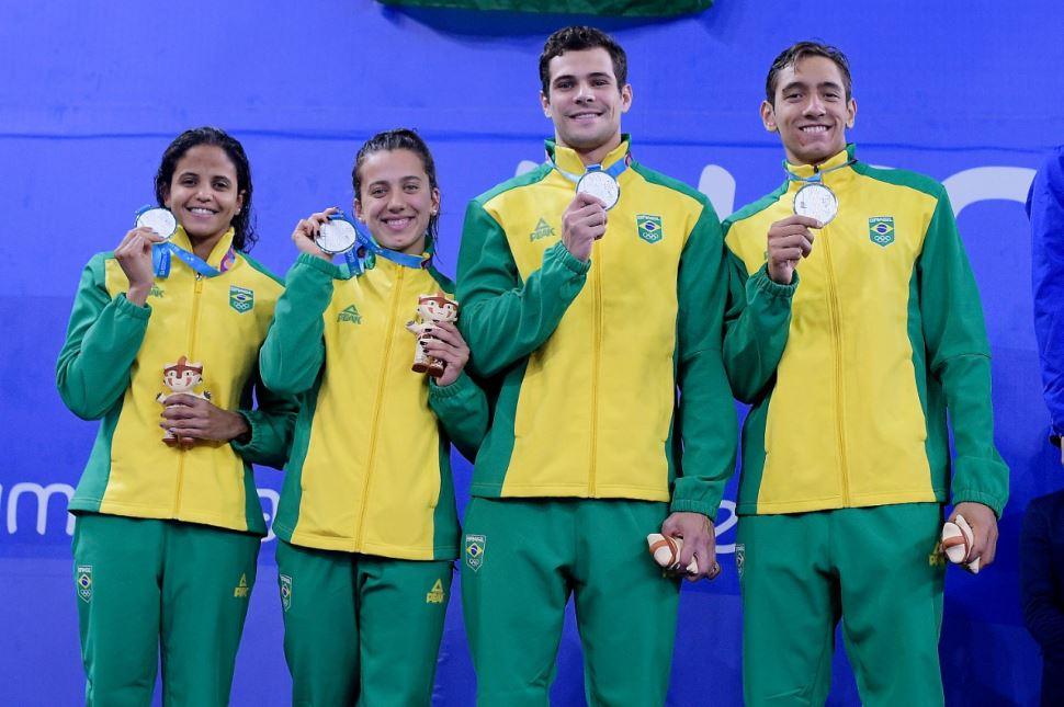 Nadadora do Sesi-SP é prata no revezamento 4x100m livre misto no Pan-Americano de Lima 2019