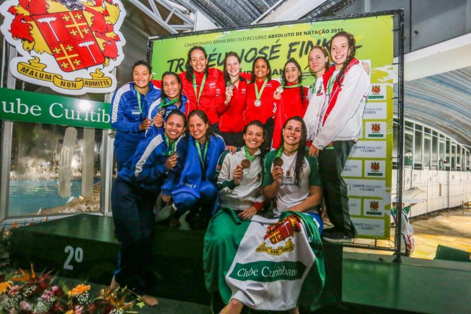 Nadadores do Sesi-SP encerram participação no Troféu José Finkel com 11 medalhas