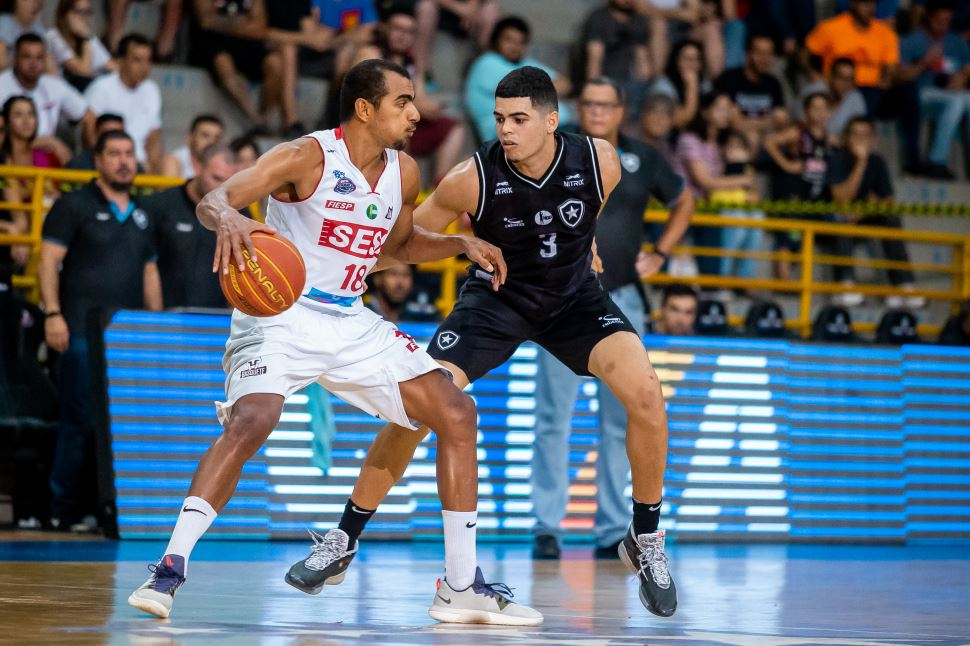 Diante do Botafogo, Sesi Franca chega à décima vitória no NBB
