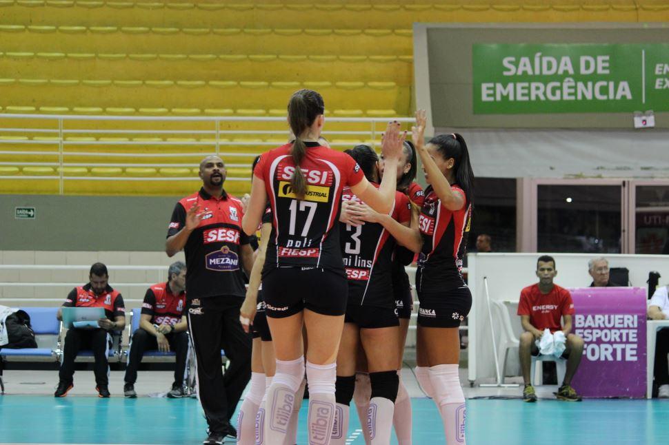 Sesi Vôlei Bauru vence São Paulo/Barueri e segue sequência de vitórias