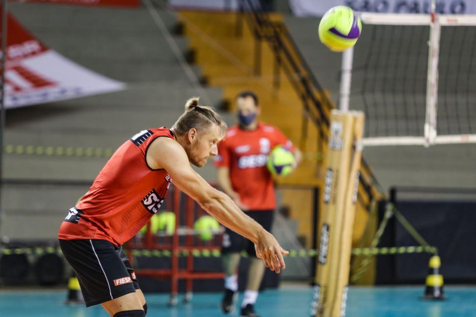 Time masculino de vôlei do Sesi-SP se prepara para estreia na temporada 2020/21
