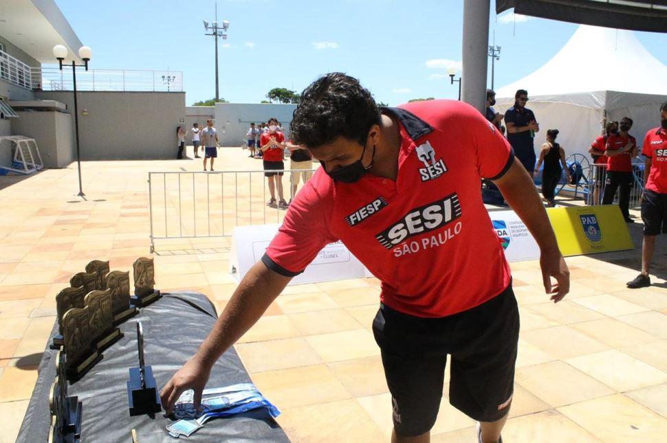 Wesley Muniz: da aula experimental de polo aquático no programa Atleta do Futuro Sesi-SP para Belgrado, na Sérvia