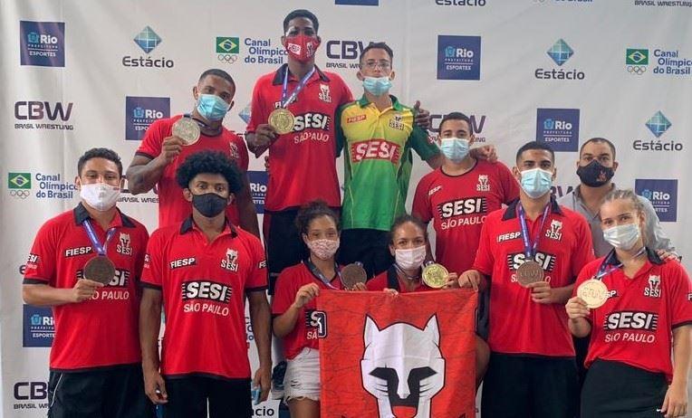 Sesi-SP leva 10 lutadores para Campeonato Brasileiro de Wrestling Sênior 2021 e conquista 7 medalhas