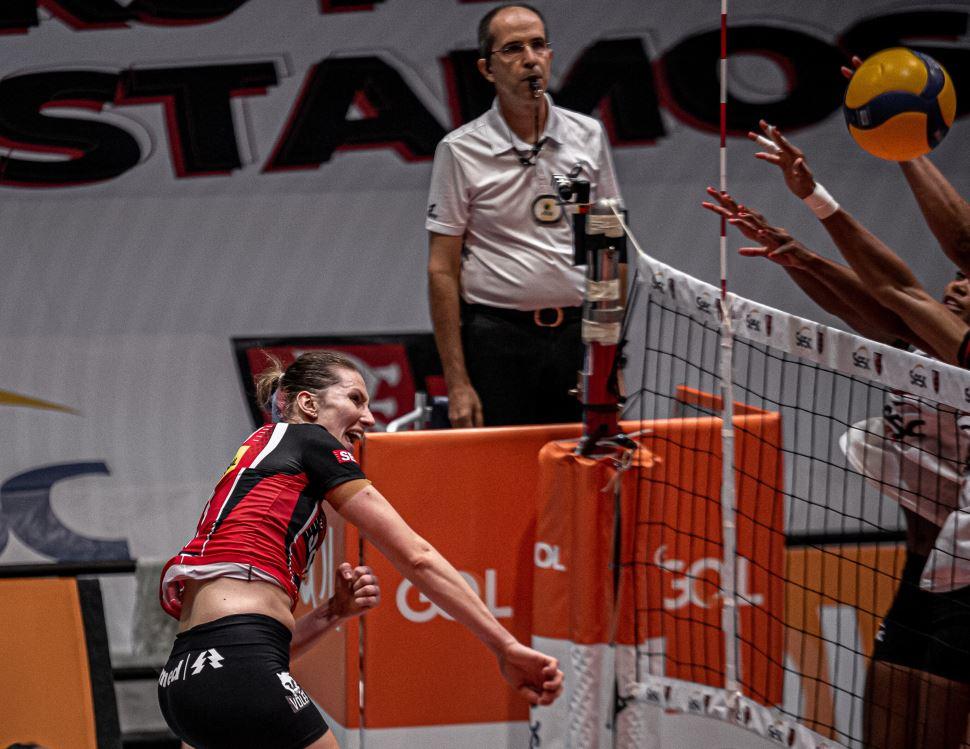 Sesi Vôlei Bauru vence Sesc/Flamengo e está na semifinal da Superliga Banco do Brasil 2020-2021