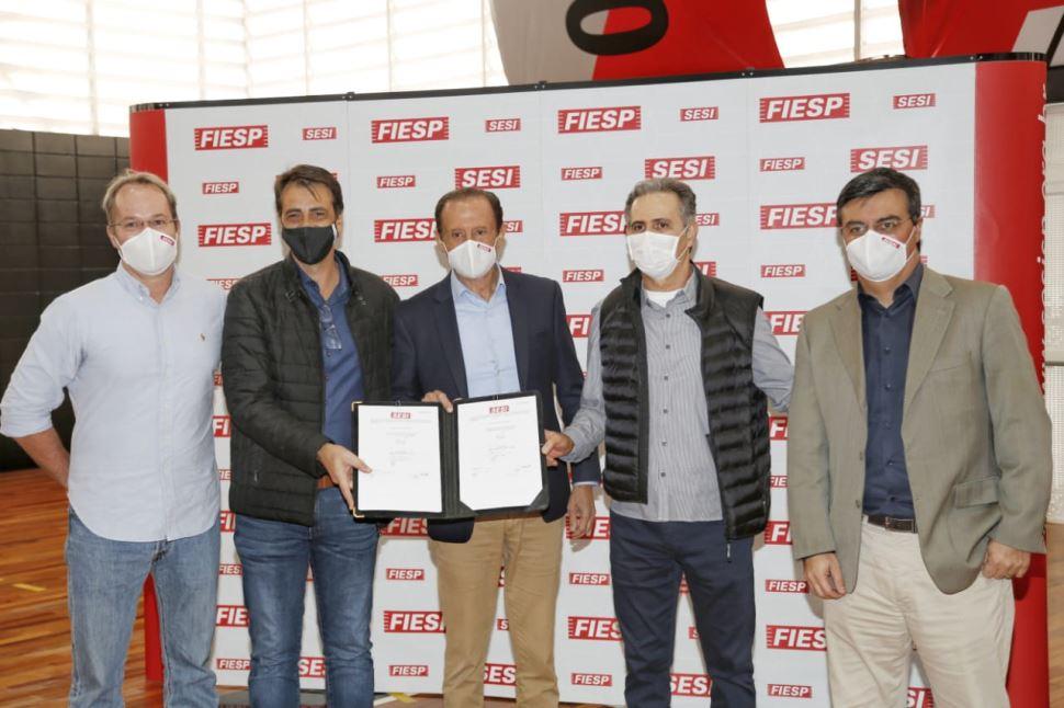 Skaf oficializa a renovação do convênio com Sesi Franca Basquete e Magazine Luiza