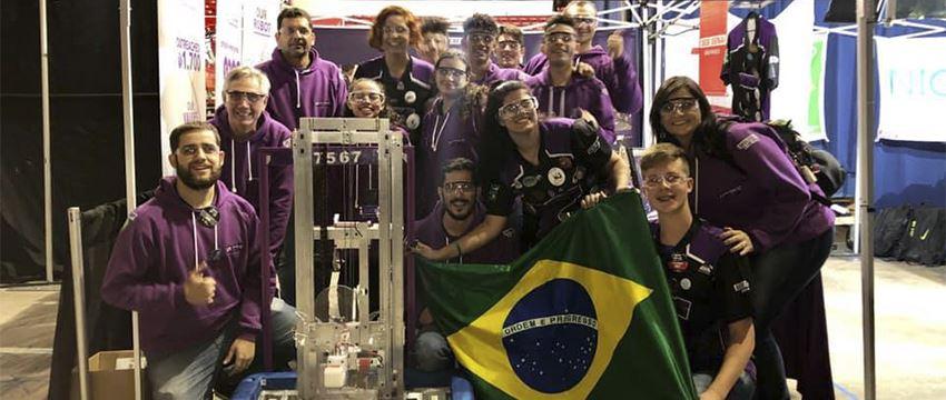Equipes de robótica do SESI e SENAI SP conquistam prêmios em Las Vegas. Time de Bauru segue para mundial em Houston, EUA