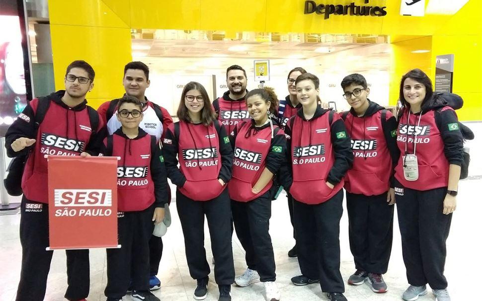 Alunos do SESI de Ourinhos são premiados em campeonato de robótica na Turquia