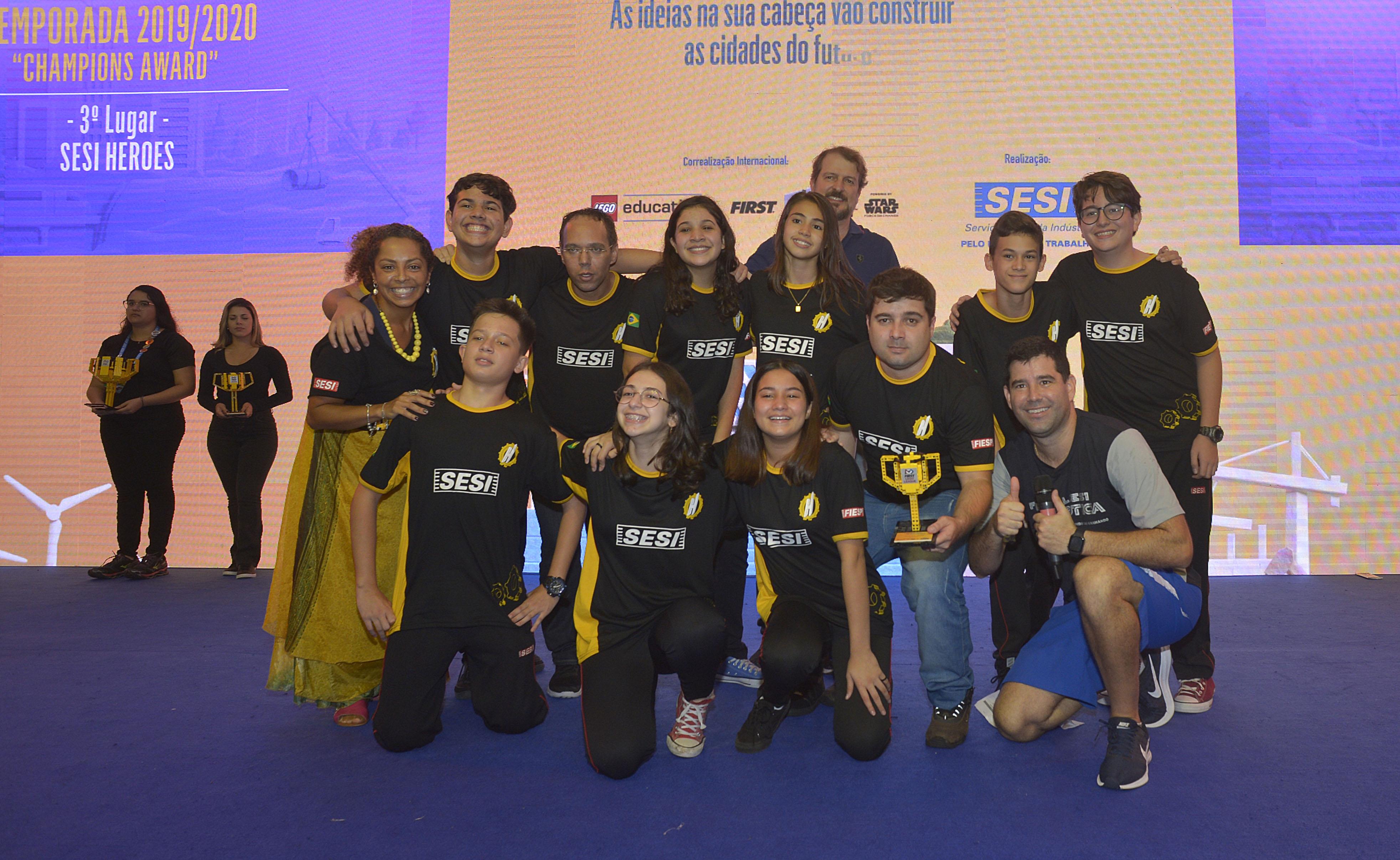 Equipe Heroes, da escola SESI de Jundiaí (unidade Jardim Tarumã)