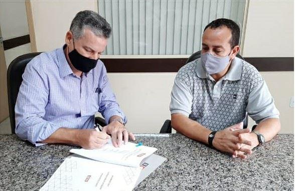 Barra do Turvo, Cajati e Miracatu assinam convênio para implantação do Sistema SESI-SP de Ensino nas escolas públicas das cidades