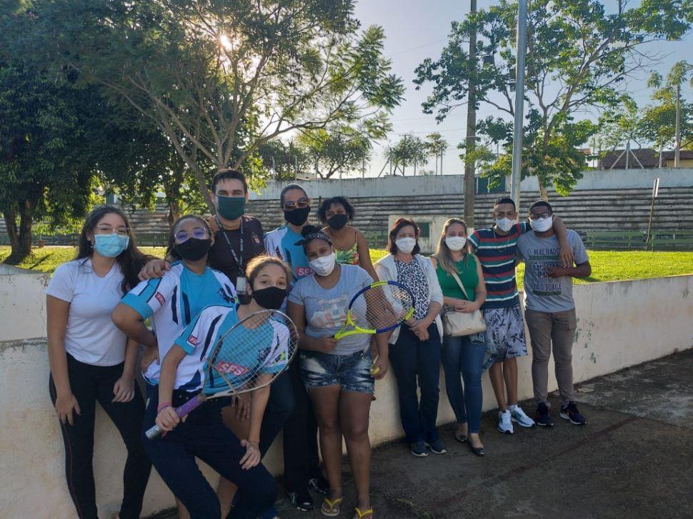Alunos da escola Sesi de Bebedouro criam raquete de tênis sustentável