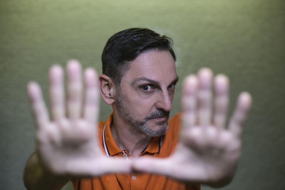 SESI A. E. Carvalho apresenta show gratuito de Paulo Miklos dia 23/3